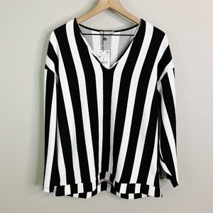 Zara Trafaluc | NWT Black White Striped Sweater M